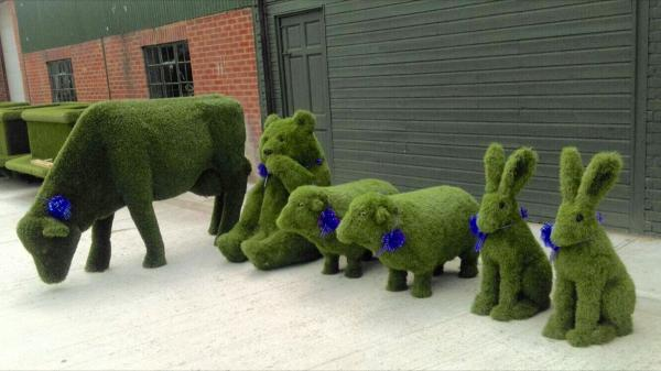 animals made of artificial grass